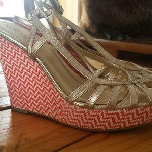 Lilly Pulitzer Sophie strappy wedge size 8 1/2